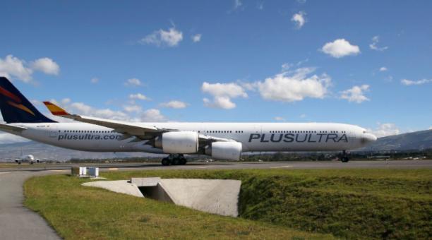 La aerolínea Plus Ultra anunció en un comunicado emitido el 16 de abril del 2021 que retomará su ruta entre España y Ecuador desde julio. Foto: Facebook. Plus Ultra