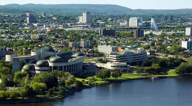 Quienes tienen un permiso temporal para residir en Canadá podrán aplicar a un estatuto de residencia permanente. Foto: Pixabay