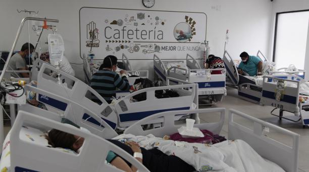 En la zona, en donde funcionaba la cafetería, se ubicaron camas. Foto: Galo Paguay/ EL COMERCIO
