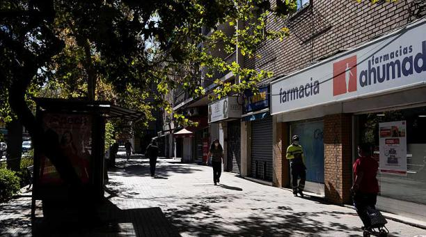 Para frenar los contagios, el 90% de la población de Chile se encuentra en cuarentena total. Foto: EFE