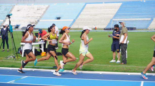 Este sábado 17 de abril se realiza las competencias en la pista atlética del estadio Alberto Spencer. Tomado de la Secretaría del Deporte
