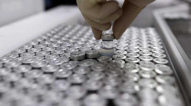 Desde inicios de febrero del 2021, Chile ha aplicado cerca de 13 millones de vacunas, el 90% de Sinovac y el resto de Pfizer/BioNTech. Foto: Reuters