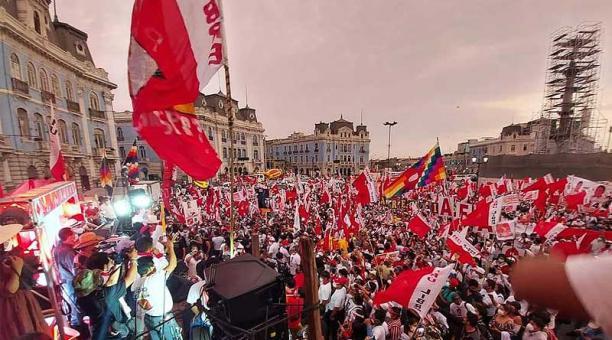 La candidata postuló por el partido de izquierda radical Perú Libre cuyo candidato pasó a la segunda vuelta. Foto: Twitter Vladimir Cerrón