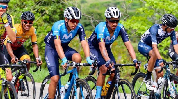 La delegación ecuatoriana del equipo telefónico en la Vuelta a Colombia este sábado 17 de abril del 2021. Cortesía de Movistar