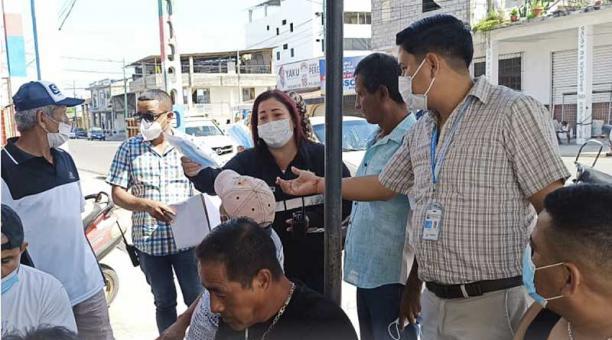 En Machala se realiza una campaña de concienciación sobre correcto uso de mascarilla. Foto: Twitter Alcadía Machala