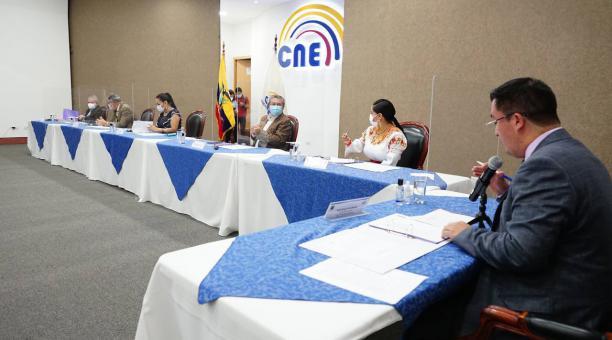 La acreditación de los legisladores nacionales está prevista para el próximo 13 de mayo, según lo informó el CNE. Foto: Twitter @DianaAtamaint