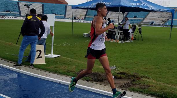 El marchista David Hurtado ganó en las pruebas de los 10 000 metros marcha en varones. Tomado de @ECUADORolimpico