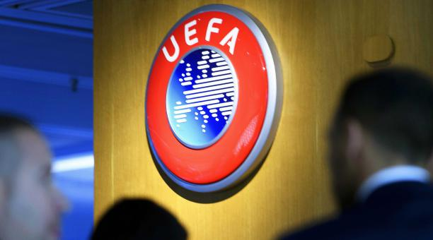 La UEFA emitió un comunicado el 18 de abril de 2021 condenando una propuesta para formar una superliga europea separatista después de enterarse de que algunos clubes ingleses, españoles e italianos planean anunciar la creación de dicha liga. (Suiza). Foto