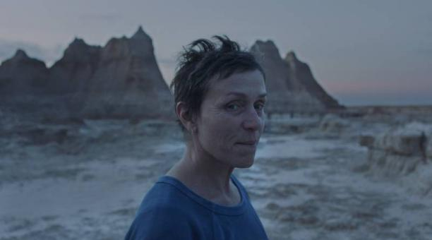 La actriz Frances McDormand interpreta a Fern en la película 'Nomadland' nominada a seis premios Oscar en el 2021. Foto: imdb.com