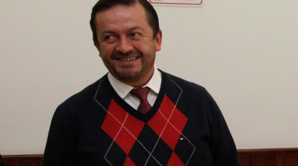 La decisión se tomó este lunes 19 de abril del 2021, en el último día del plazo que tenían Villamar (en la foto) y Rodrigo Collaguazo (AP) -quien lo denunció en el Parlamento- para presentar por escrito las pruebas de cargo y de descargo. Foto: Archivo EL