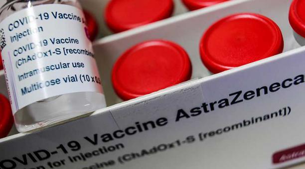 Las vacunas de AstraZeneca y Pfizer emplean estrategias de inmunización diferentes. Foto: Reuters