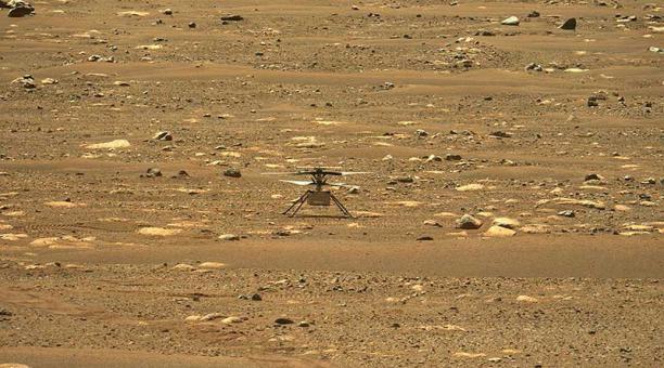 El helicóptero Ingenuity aterrizó en el cráter Jezero de Marte. Foto: EFE / NASA