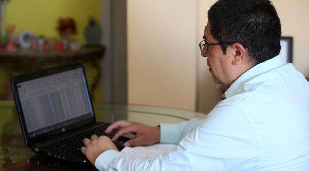 Foto referencial. La Ley de Educación Intercultural Bilingüe fue remitida al Registro Oficial, el pasado 10 de abril y determina que el salario básico del docente debe ser 2,5 veces más que el básico del resto de los trabajadores y a partir de allí se aju