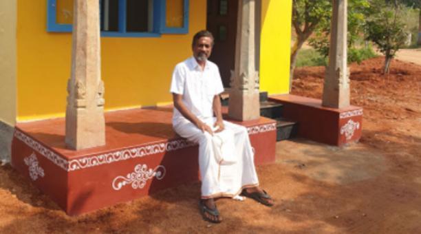 El millonario empresario dejó su cómoda vida en California para buscar tranquilidad en la India. Foto: Twitter @svembu