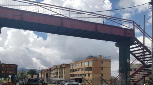 Se retirará toda la estructura porque el puente no cuenta con las condiciones de infraestructura para ser utilizado por los peatones.