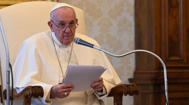 En una ceremonia en Roma, el papa Francisco ordenará como sacerdotes a un exdirector de cine y a un exfutbolista el próximo domingo 25 de abril del 2021. Foto: EFE