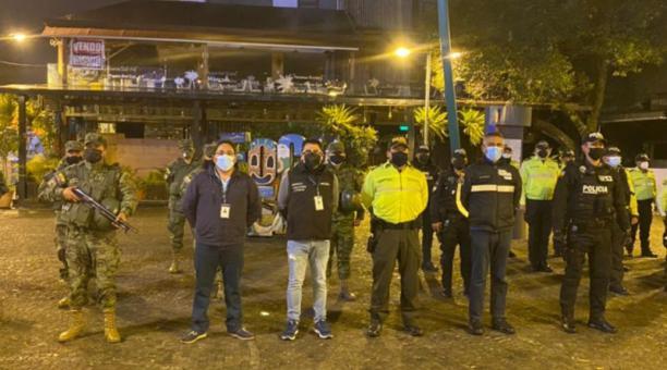 Operativos de control en el inicio del confinamiento se realizaron en varios puntos de la ciudad. Foto: Twitter @Inten_Pichincha