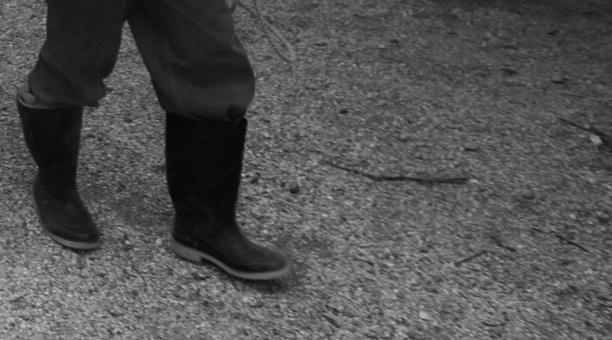 Imagen referencial. El agresor habitaba y laboraba frente a la finca a donde se trasladó la familia de la víctima, por la pandemia. El sentenciado aprovechó la ausencia de los padres para abusar sexualmente de la niña. Foto: Archivo/ EL COMERCIO