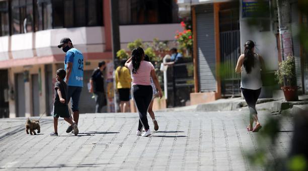 Operativos de control en el sector de Guamaní,  en el sur de Quito, el domingo 25 de abril del 2021. Foto: Julio Estrella / EL COMERCIO