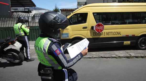 En Quito se podrá circular según las disposiciones establecidas en el Decreto presidencial sobre el estado de excepción. Foto: Julio Estrella/ EL COMERCIO