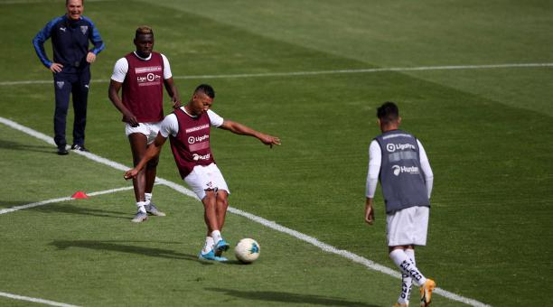Liga de Quito recibirá a Vélez Sarsfield, por la Copa Libertadores. Archivo/EL COMERCIO