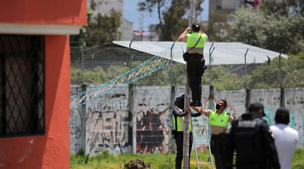 Operativo de control en el sector de Guamaní, en el sur de Quito, el domingo 25 de abril del 2021. Foto: Julio Estrella / EL COMERCIO