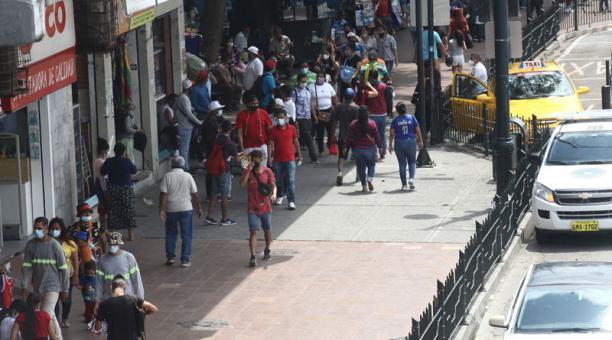 Las coinfecciones fueron frecuentes durante la oleada inicial de coronavirus en Guayaquil. Foto: Enrique Pesantes / EL COMERCIO