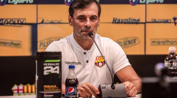 El DT argentino Fabián Bustos también descarto entablar una polémica con Renato Paiva, quien dirige a Independiente del Valle. Foto: Prensa BSC.
