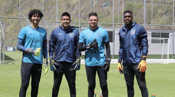 José Gabriel Cevallos, Walter Chávez, Brian Heras y Leodán Chalá en la Casa de la Selección durante el microciclo. Foto: Twitter de La Tri