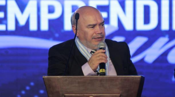 En la imagen Carlos Cueva González, durante un evento de la Cámara de Comercio de Guayaquil en 2019. Foto: Twitter @GrupoDIFARE
