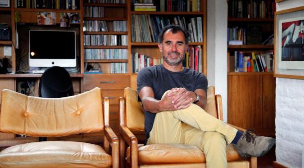El comunicador visual Juan Lorenzo Barragán, fundador de Azuca. Foto: Patricio Terán / EL COMERCIO
