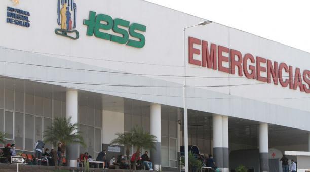 """El primer caso de """"corona-dengue"""" fue detectado en un paciente del hospital del Instituto Ecuatoriano de Seguridad Social (IESS) de Ceibos, en Guayaquil. Foto: Archivo/ EL COMERCIO"""