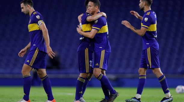 El plantel de Boca Juniors tuvo actividad en la Copa Libertadores ante Santos, por el Grupo C. EFE