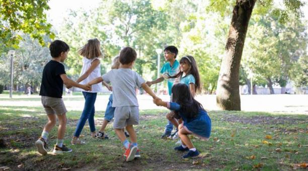 Imagen referencial. Un estudio sostiene que los altos niveles de contaminación atmosférica durante la niñez está relacionado con problemas de salud mental en la vida adulta. Foto: Freepik