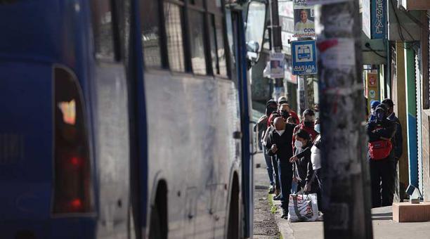 Los buses deben cumplir con el aforo del 50% en las unidades. Foto: Julio Estrella / EL COMERCIO