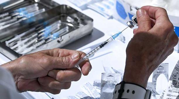 Rusia tiene en la actualidad tres vacunas registradas: Sputnik V, EpiVacCorona y CoviVac. Foto: EFE