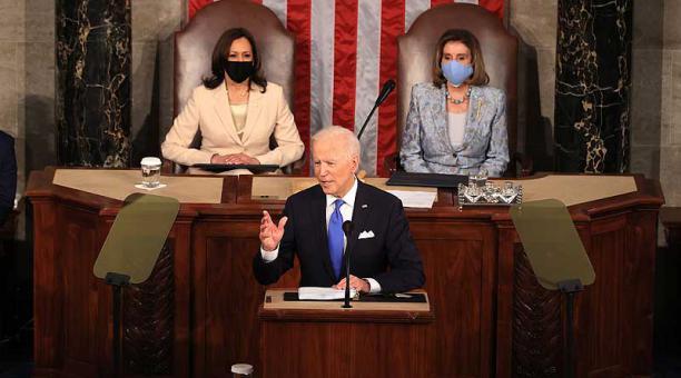 Joe Biden dio este 28 de abril del 2021 su primer discurso en el Congreso en una sesión conjunta de la Cámara de Representantes y el Senado. Foto: EFE
