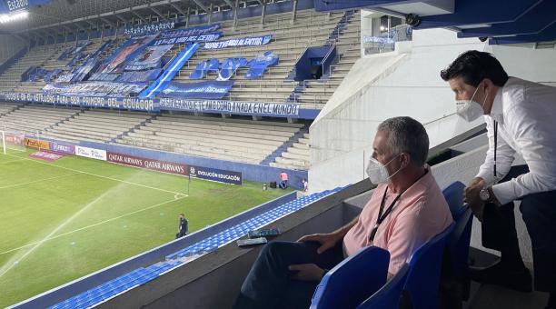 El entrenador de la Selección ecuatoriana de fútbol en el estadio Capwell el miércoles 28 de abril. Tomado de @LaTri