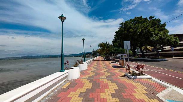 El malecón de Bahía de Caráquez estará cerrado para los bañistas durante el fin de semana de confinamiento. Foto: cortesía Municipio de Sucre