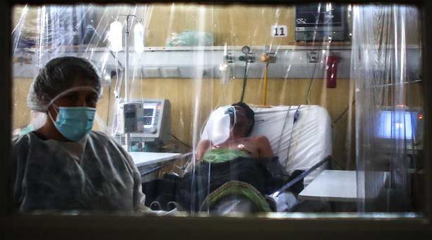 Colombia se encuentra en su tercer y más virulento pico de la pandemia que desde hace varias semanas tiene al borde del colapso a las unidades de cuidados intensivos y al sistema sanitario en general. Foto: EFE