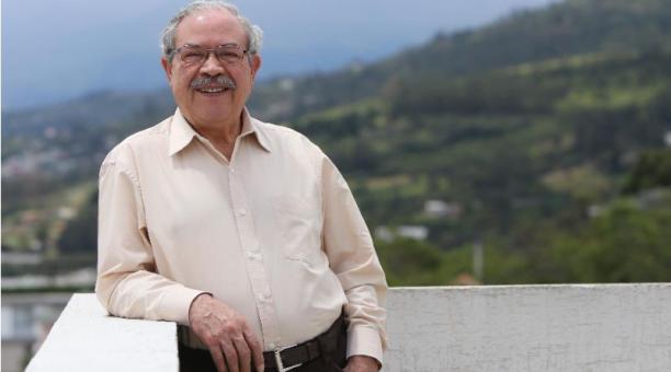 Ramiro Montenegro, médico neurólogo, fue parte de la primera generación que hizo la medicina rural. Foto: Vicente Costales / EL COMERCIO