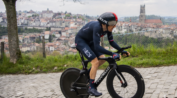 El británico Geraint Thomas del equipo Ineos Grenadiers en acción durante la quinta y última etapa del 74 Tour de Romandie, una contrarreloj individual de 16,2 km en Friburgo, Suiza, el 2 de mayo de 2021 (Ciclismo, Suiza, Reino Unido) Foto: EFE