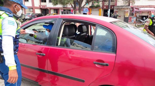 La ATM informó que se entregó 153 citaciones a los conductores y se retuvo a 117 vehículos. Foto: Cortesía