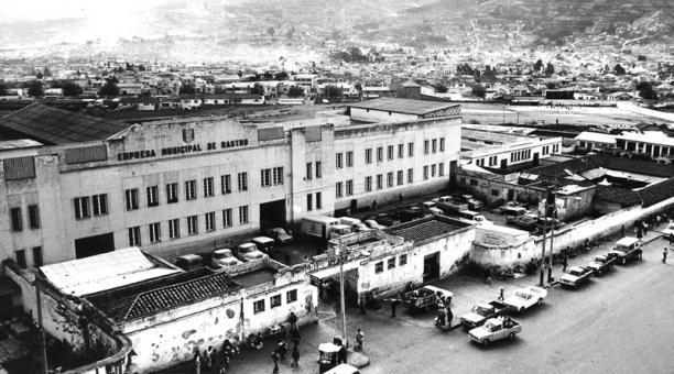 La imagen muestra el camal municipal de Chiriyacu, en septiembre de 1976