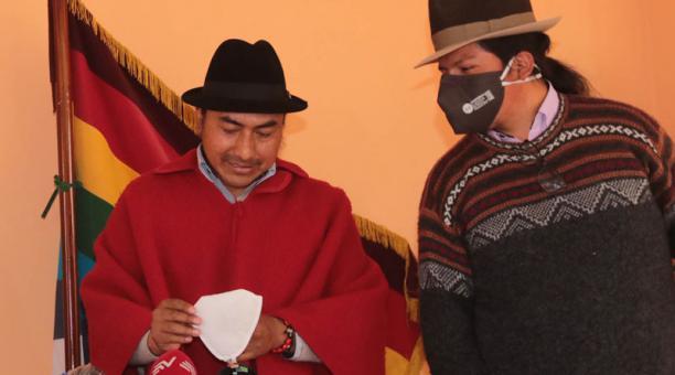 Leonidas Iza (i) es uno de los dirigentes del movimiento indígena que se ha postulado para presidir la Conaie. Foto: Cortesía