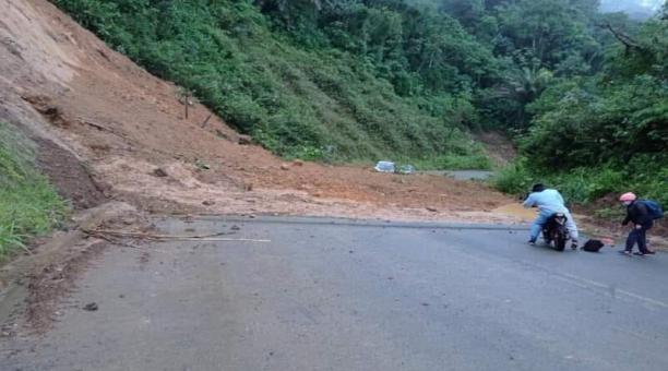 Las vías de San Miguel, Echeandía y Chillanes de la provincia de Bolívar se encuentran afectadas por las fuertes lluvias. Foto: Cortesía la vía Chillanes.