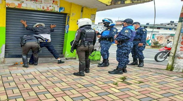 Los detenidos en operativos en Santo Domingo de los Tsáchilas incumplieron el toque de queda. Foto: Cortesía del Municipio de Santo Domingo.