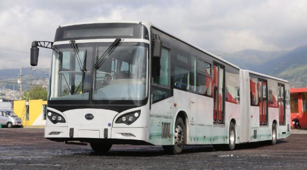 La Coop. Translatinos adquirió un bus eléctrico que espera la aprobación para operar. Foto: Vicente Costales / El Comercio