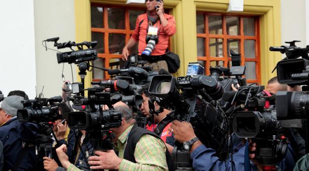 Foto referencial. El número real de periodistas fallecidos en la pandemia por covid-19 podría ser mucho mayor, ya que muchos de los casos no se diagnosticaron o hicieron públicos, según  la ONG Campaña Emblema de Prensa. Foto: Archivo / EL COMERCIO