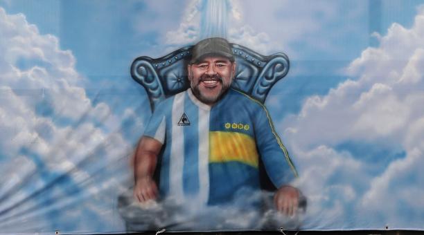 Foto de archivo de una pintura de Diego Maradona en el estadio La Bombonera d Boca Juniors en Buenos Aires Mar 14, 2021